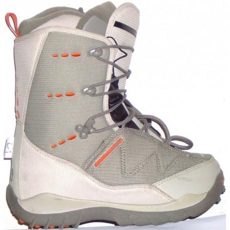 Salomon snowboard cipő 245-3