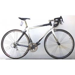 Ferraresso olasz full carbon országúti kerékpár
